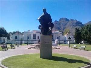 Jan Smuts Statue