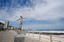 Sculpting Sea Point Promenade