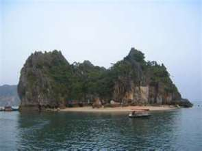 Scaramange Island and Beach