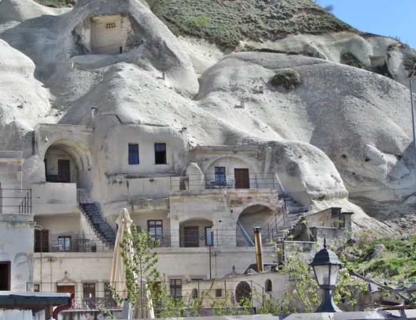 Cave Hotel4
