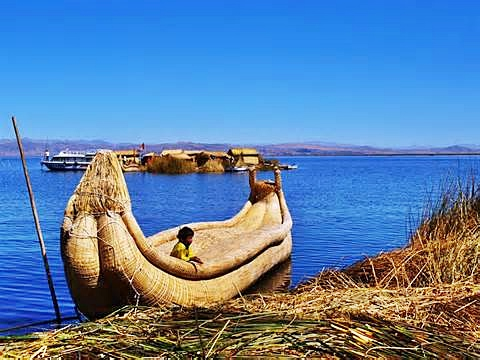 Boats Lake Titicaca