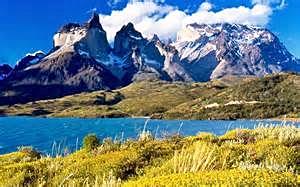 lake Los Cuernos