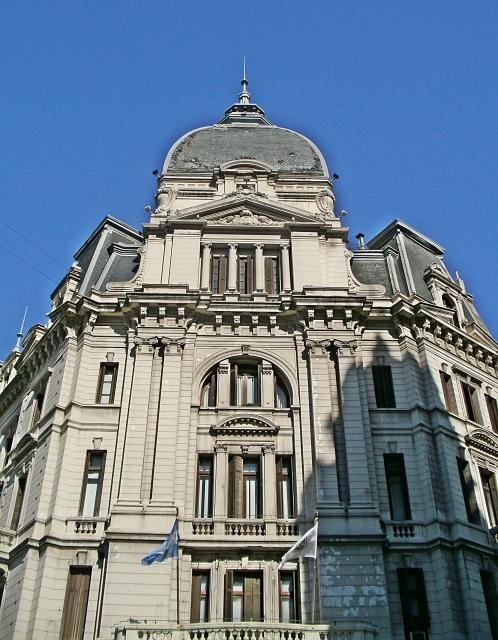 Retiro Building
