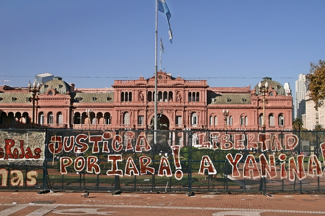 Presidential Palace + Graffitti