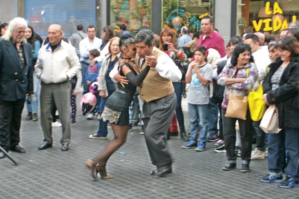 Tango Dancers 25th Mayo Celebration