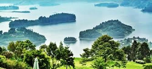 Islands Lake Bunyonyi