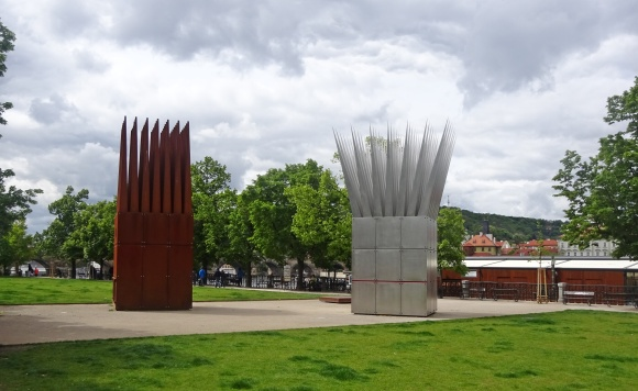 Sculpting - Funeral of Jan Palach