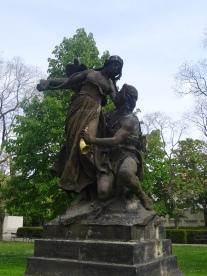 Statue3
