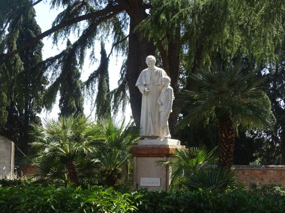 Statues Appian Way