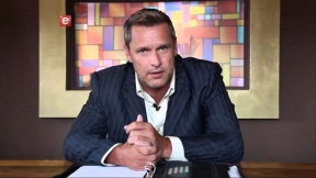 Craig Urbani - Detective Schrank