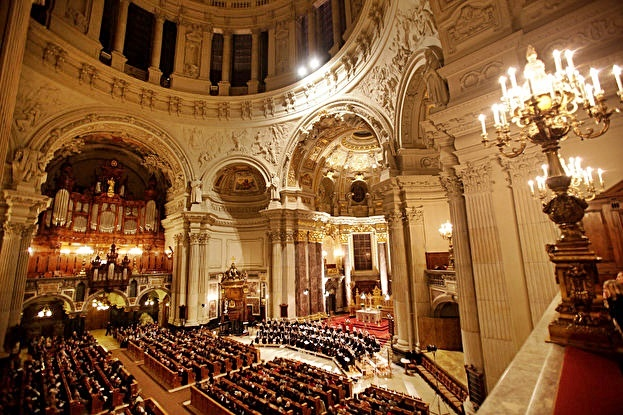 Bach's Christmas Oratorio Cantatas I-III at Berlin Cathedral