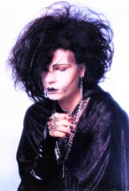 Gothic Fashion - Bodylore